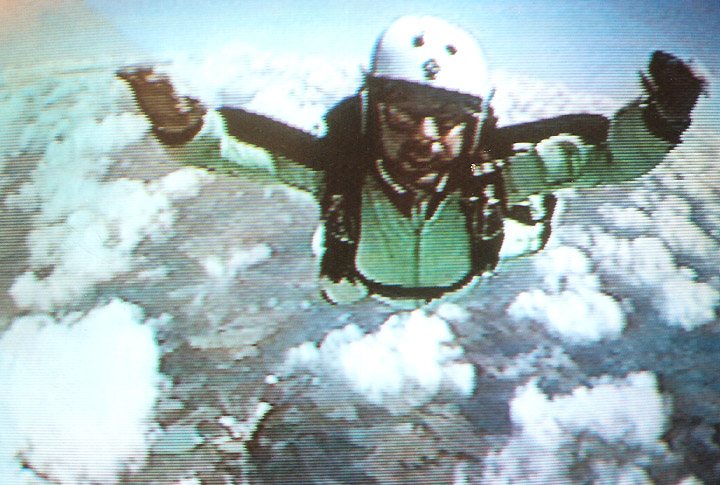 2000-SkyDiving-08