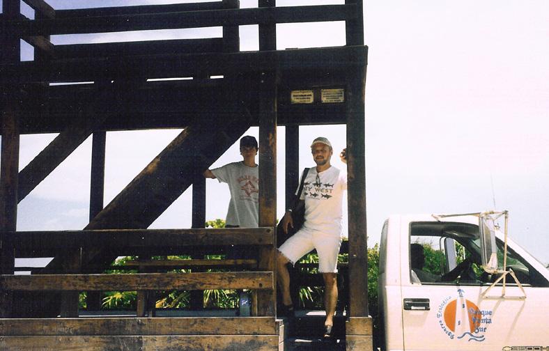 2003-Cozumel-Alex Steve-02