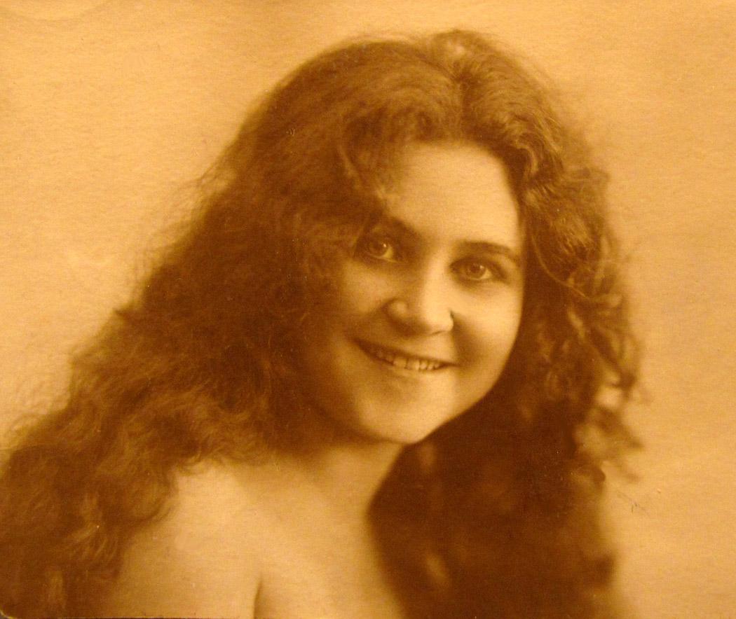 ELENA-1920-s-04