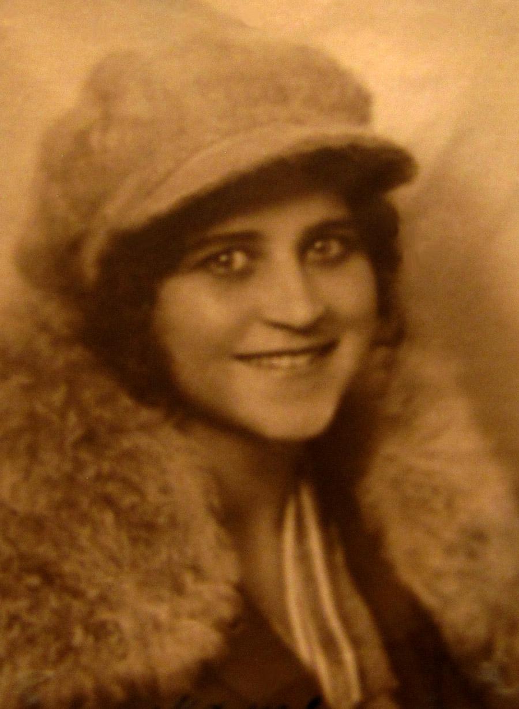 ELENA-1920-s-07