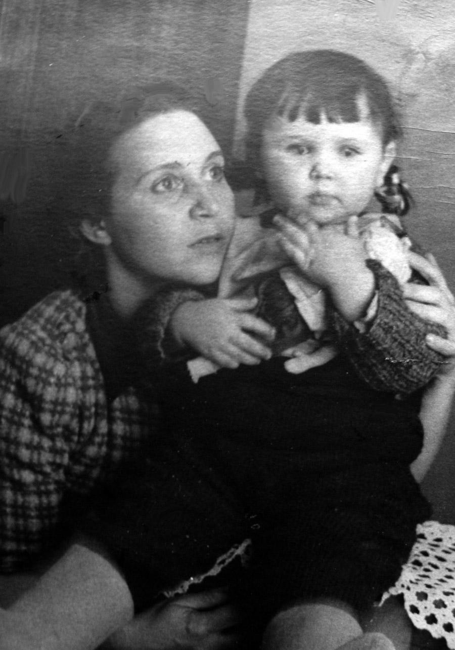 ELENA-TANYA-1940-s-01