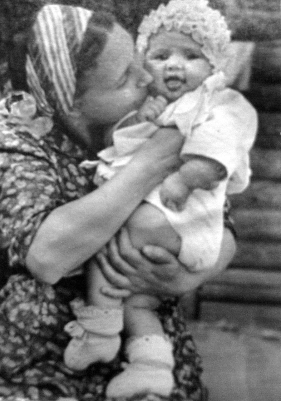 ELENA-TANYA-1940-s-02a