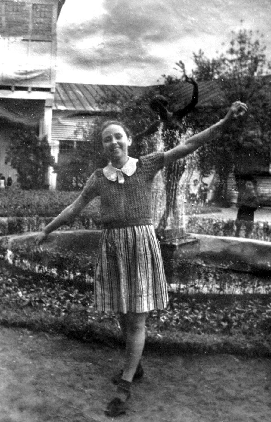TANYA-1950-s-08