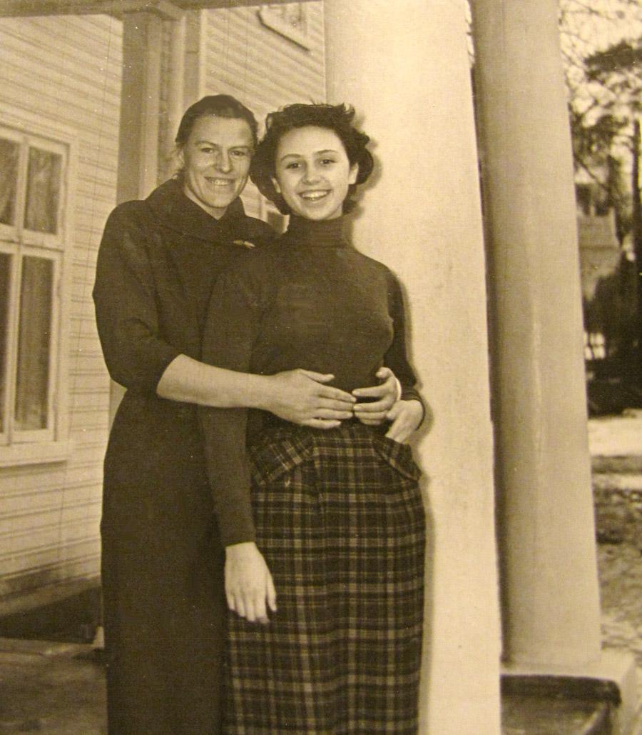 TANYA-1950-s-14