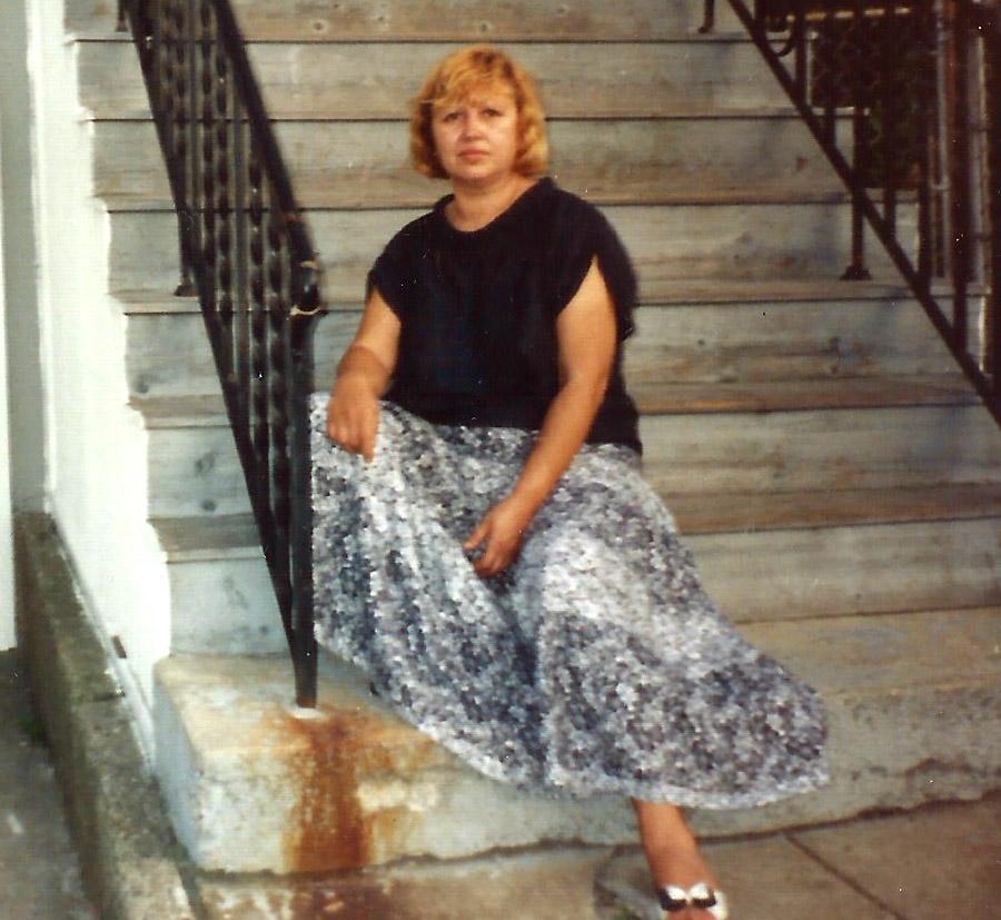 TANYA-1990-s-06
