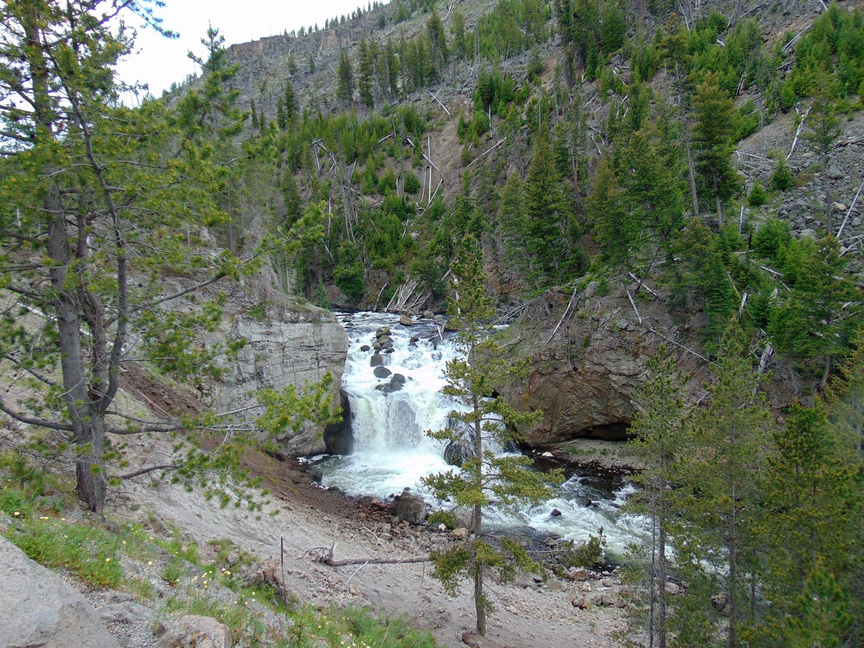 ALEX-Yellowstone-03c