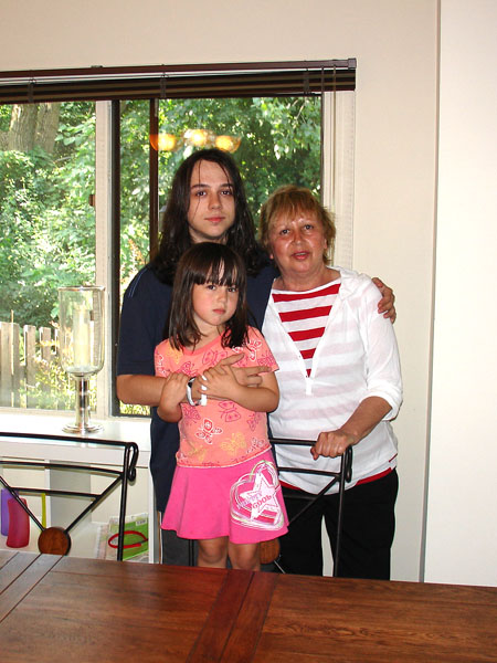 2006-Steve, Tanya, Nastya-01-100 dpi